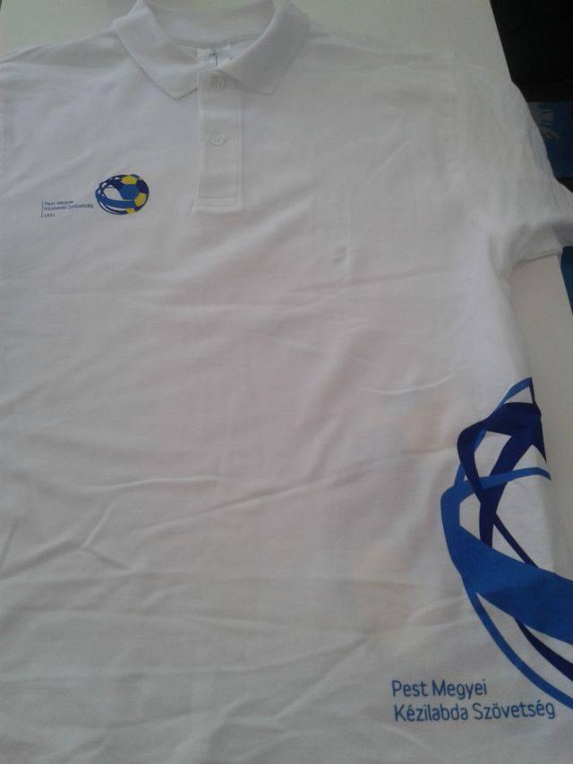 fehér póló szitázás